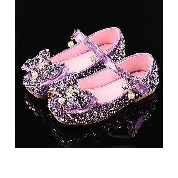 Mädchens Round Toe Geschlossene Zehe Leder funkelnden Glitter Flache Ferse Sandalen Flache Schuhe Blumenmädchen Schuhe mit Bowknot Klettverschluss