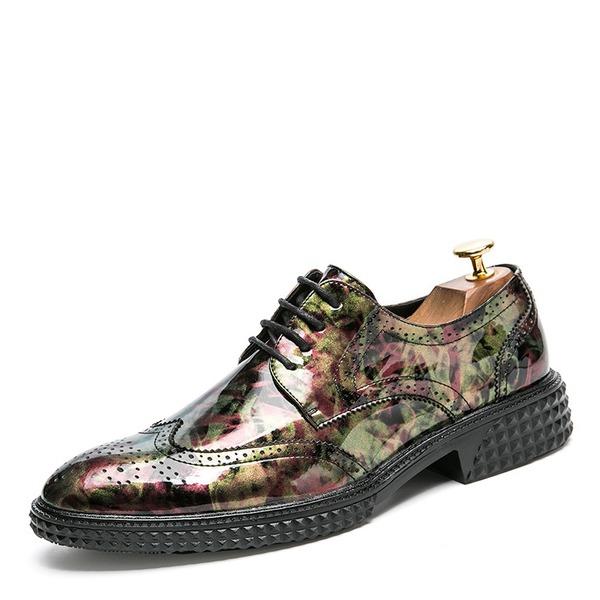 Mannen Patent Leather Vastrijgen Brogue Casual Klassieke schoenen voor heren