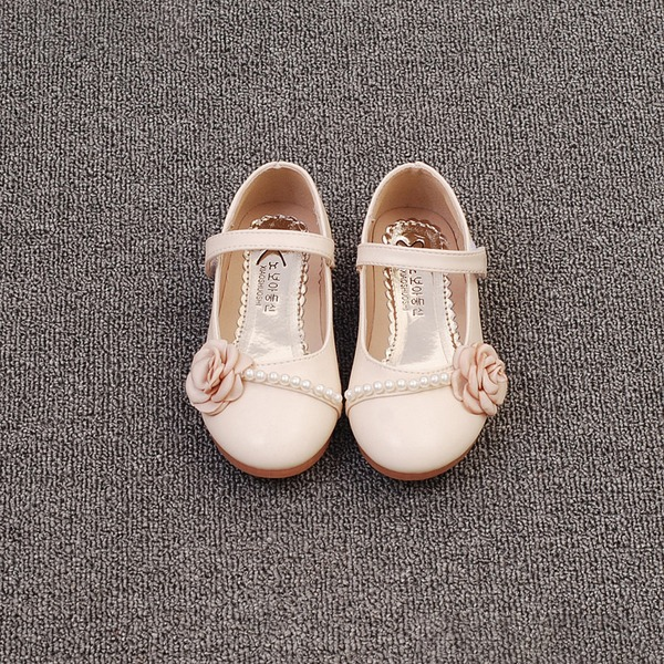 Girl's Closed Toe Microfiber Leather Flat Heel Flats Flower Girl Shoes With Imitation Pearl Satin Flower Velcro