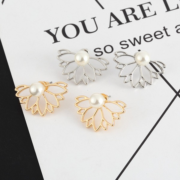 Flower Shaped Alloy Imitation Pearls With Rhinestone Women's Fashion Earrings (Sold in a single piece)