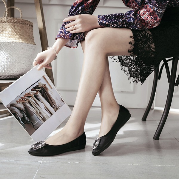 Frauen Satin Flascher Absatz Flache Schuhe Geschlossene Zehe mit Strass Schuhe