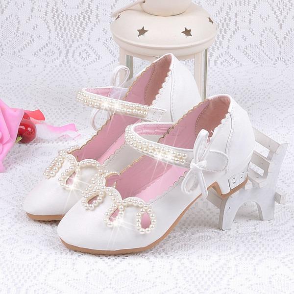Girl's Ronde neus Closed Toe Lakleer low Heel Bloemenmeisje schoenen met Bloem