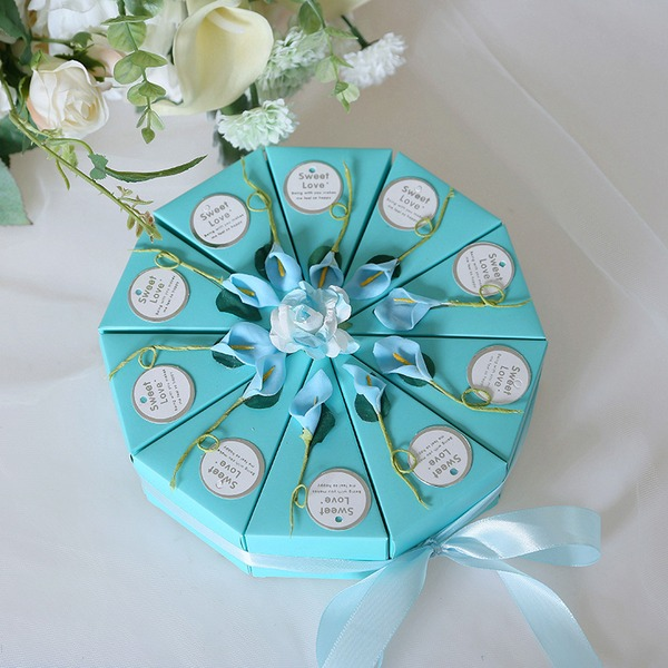Romantic Moment Cubic Card Paper Favor Boxes With Flowers (Set of 10)