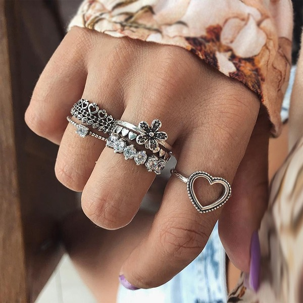 Fashional Alloy Rhinestones With Rhinestone Women's Fashion Rings (Set of 6)