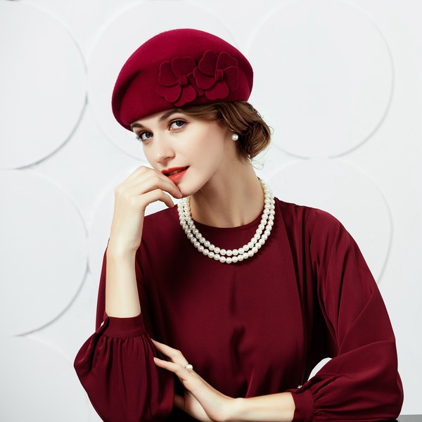 Ladies' Beautiful/Fashion Wool With Flower Beret Hat