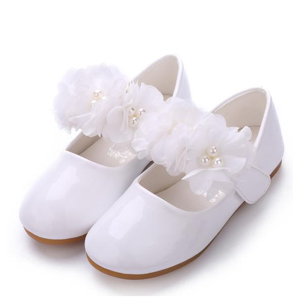 A menina de Fechados couro envernizado Heel plana Sem salto Sapatas do florista com Pérola Imitação Velcro Flor