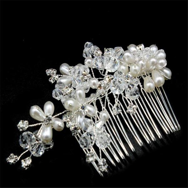 Ainutlaatuinen Kristalli/Valetaskua helmi Kammataan ja baretti (Myyty yhtenä palana)