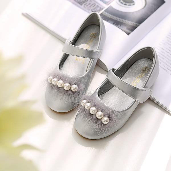 Mädchens Round Toe Geschlossene Zehe Microfaser-Leder Flache Ferse Flache Schuhe Blumenmädchen Schuhe mit Stich Spitzen Klettverschluss Bommel