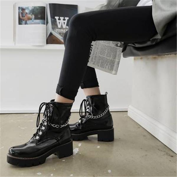 Frauen PU Stämmiger Absatz Martin Stiefel mit Kette Zuschnüren Schuhe