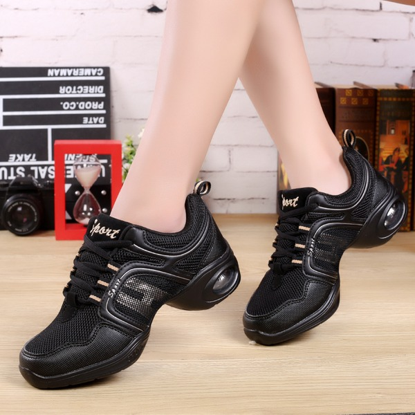Women's Leatherette Fabric Sneakers Sneakers Dance Shoes