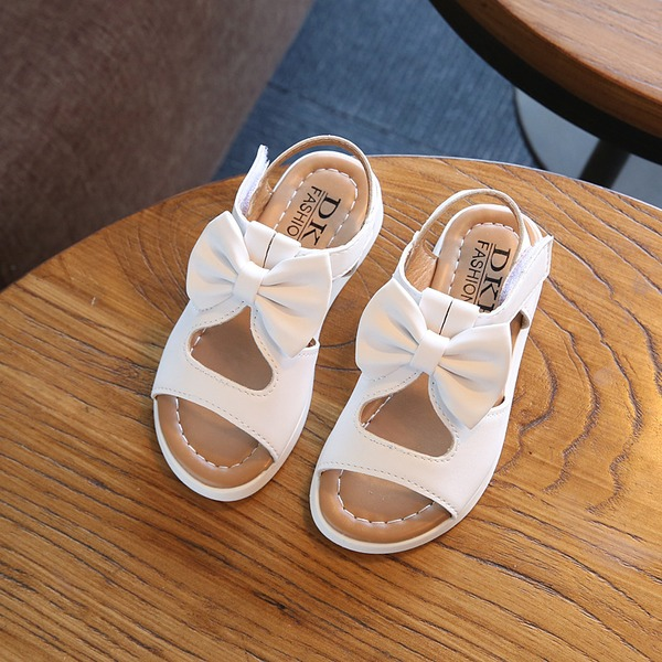 Jentas Titte Tå Leather Sandaler Flate sko Flower Girl Shoes med Bowknot