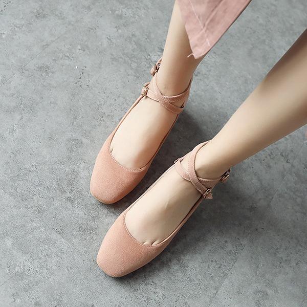 Frauen Veloursleder Stämmiger Absatz Absatzschuhe Geschlossene Zehe mit Schnalle Schuhe