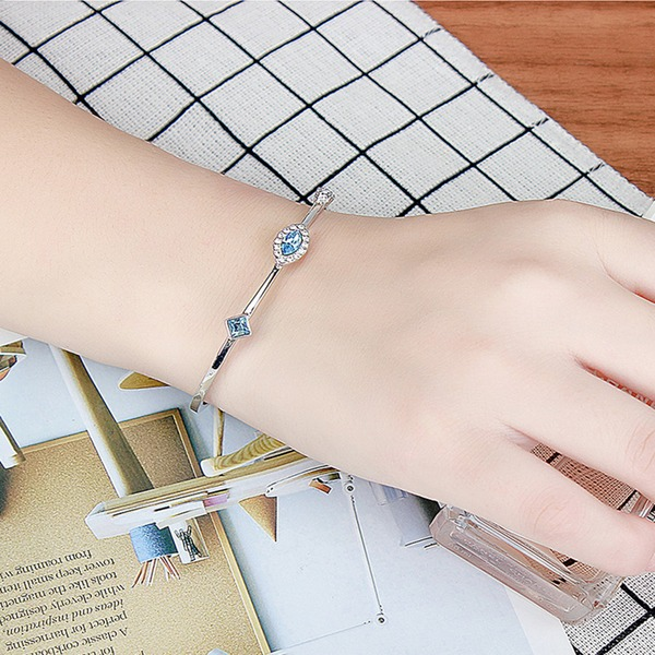 Stylish Alloy Crystal With Imitation Crystal Fashion Bracelets (Sold in a single piece)
