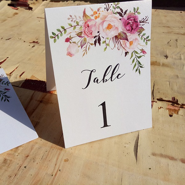 Place Cards Paper Personalized (Set of 10) Pretty Table Centerpieces