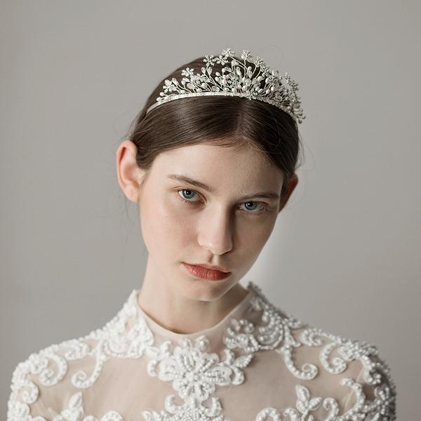 Maravilloso La perla de faux Tiaras (Se venden en una sola pieza)