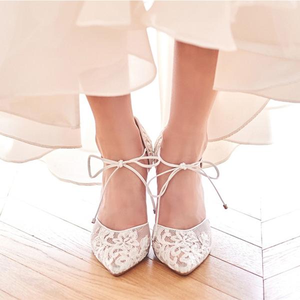Frauen Spitze Spule Absatz Geschlossene Zehe Absatzschuhe mit Zuschnüren