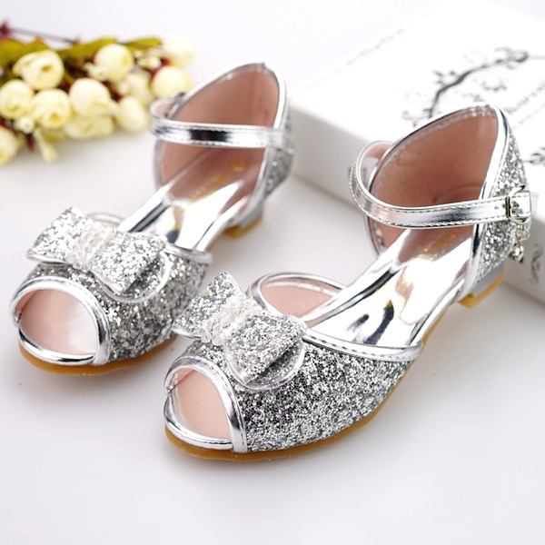Jentas Titte Tå Leather lav Heel Sandaler Flower Girl Shoes med Bowknot Spenne Glitrende Glitter
