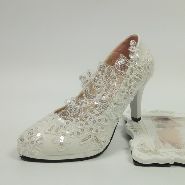 Women's Patent Leather Spool Heel Closed Toe Pumps With Stitching Lace