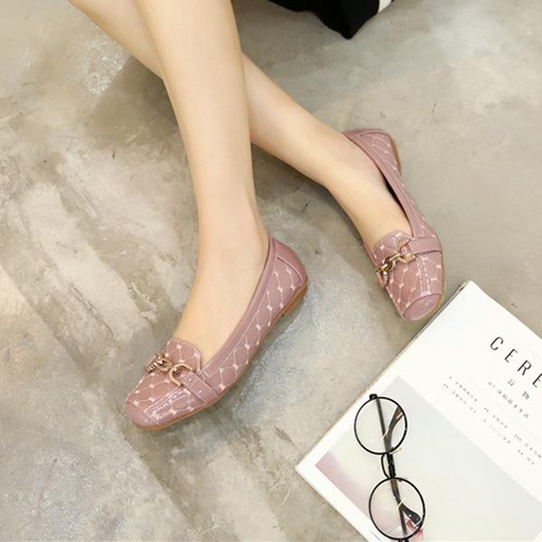 Frauen PU Niederiger Absatz Flache Schuhe Geschlossene Zehe mit Kette Schuhe