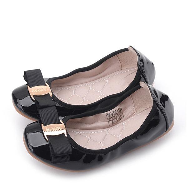 Jentas Round Toe Lukket Tå Leather flat Heel Flate sko Flower Girl Shoes med Bowknot